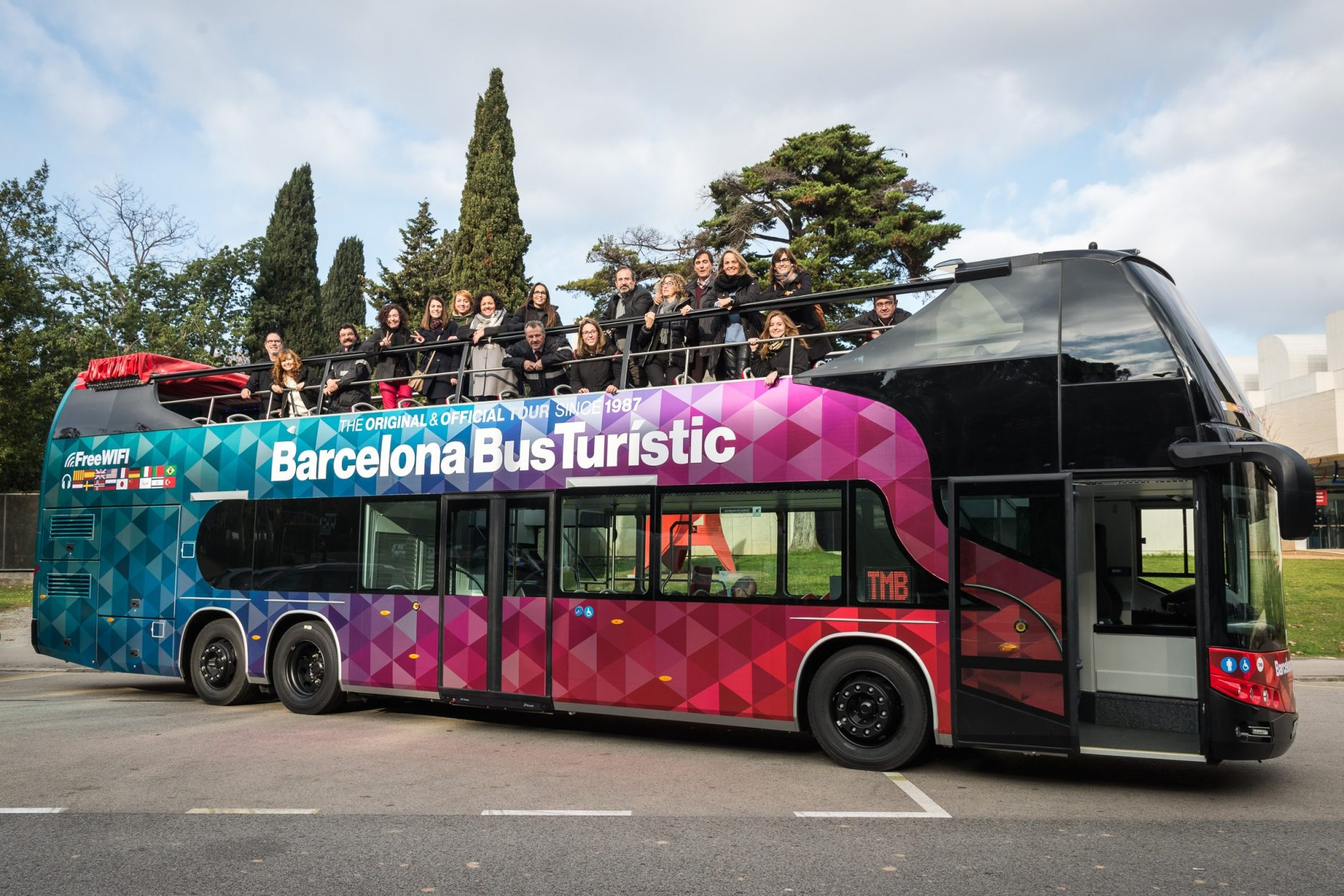 Bus Touristic wrapped with VInylEfx